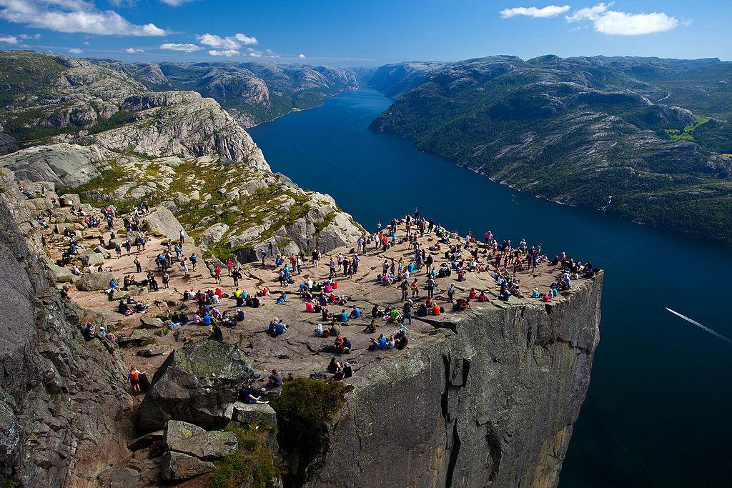 Скала Кафедра (Прекестулен) в Норвегии