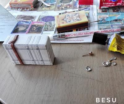 Uchylam rąbka tajemnicy. Miniatury w przygotowaniu. /Sneak Peak doll accessories
