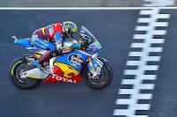 http://www.paddockrider.com/2017/05/morbidelli-se-lleva-la-carrera-de-moto2.html