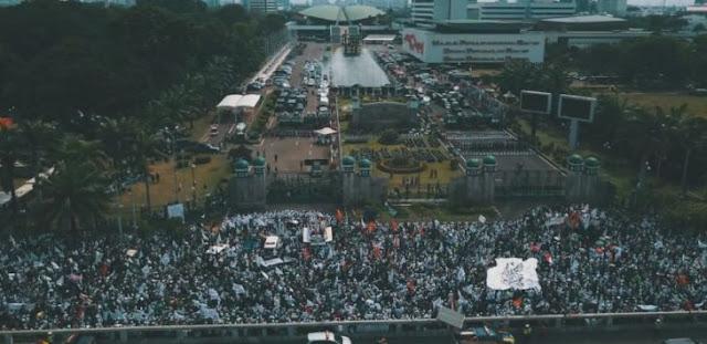 Aksi Demo 299, Bendera Indonesia Kalah Jauh Dibanding Bendera Palestina dan HTI