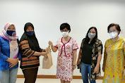 Alfamidi Gandeng IWO Sulut Bagi Kado Ramadan Kepada Pekerja Serabutan dan Jurnalis