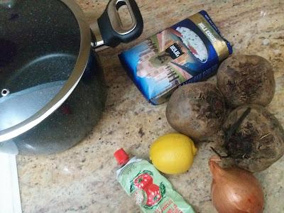 מצרכים לתבשיל בשר עם סלק ברוטב אדום