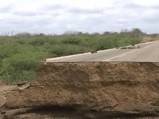 Cratera abre em estrada e ocasiona morte de agricultor no Cariri paraibano