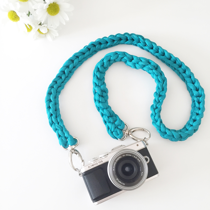 DIY | Crocheted Camera Strap Tutorial - Made Up Style