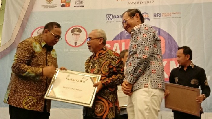 Konsen Pada Peningkatan UKM, Bantaeng Raih Natamukti Award