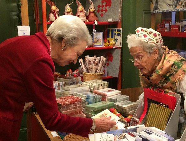 Princess Benedikte opened Swedish Church Christmas Bazaar in Østerbro