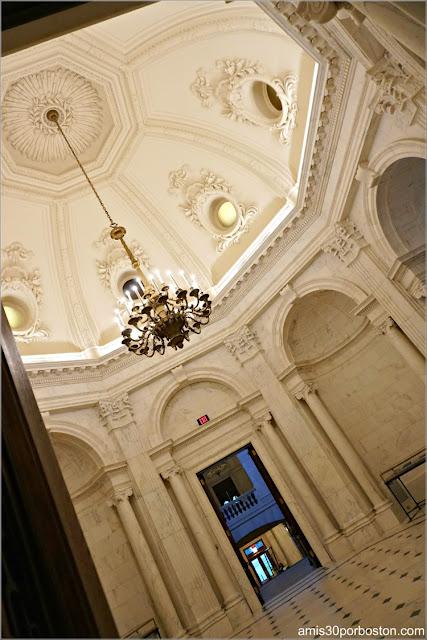 Sala Conmemorativa de la Biblioteca Widener en la Universidad de Harvard