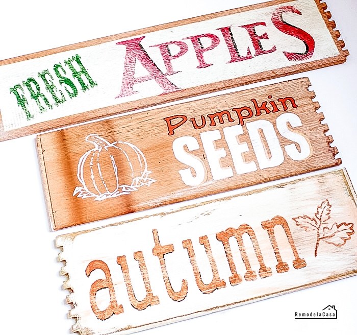 Autumn signs to decorated with