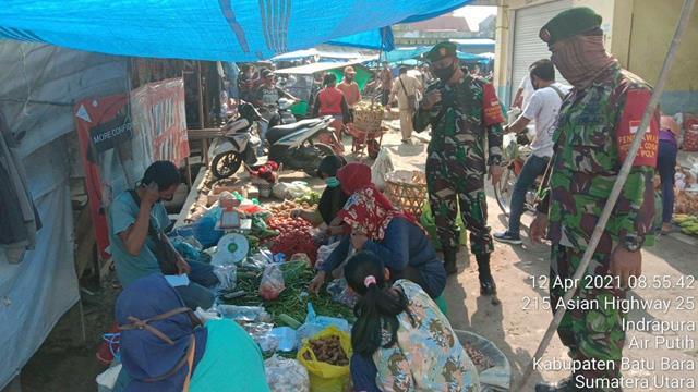 Datangi Pasar Delima Indrapura, Personel Jajaran Kodim 0208/Asahan Dalam Rangka Mengawasi Protkes