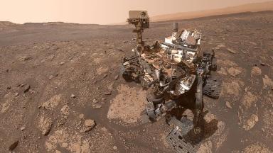 हटके: नासाच्या क्युरॉसिटी रोव्हरचा थेट मंगळावर सेल्फी