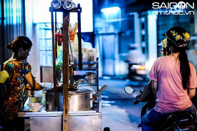 'Xực tắc' hủ tiếu gõ Sài Gòn