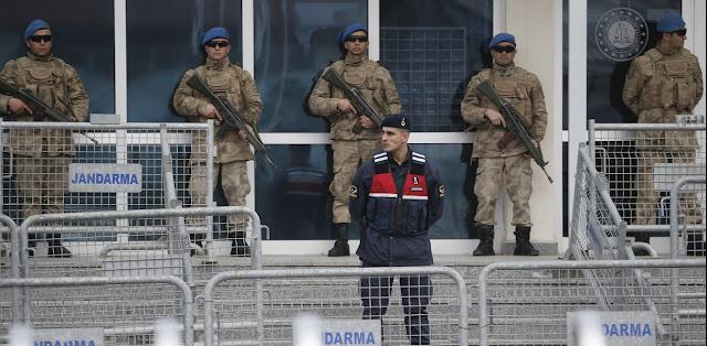 Αντιμέτωπη με «τη μεγαλύτερη δικαστική κρίση στα χρονικά» η Τουρκία... λόγω Ερντογάν