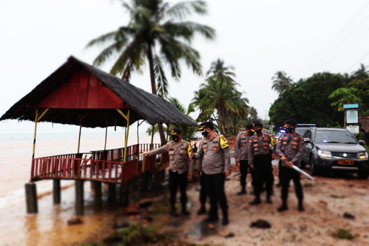 Akibat Cuaca Ekstrem, Kapolres Lingga Pantau Lansung Pemukiman Warga di Sekitar Pesisir Pantai