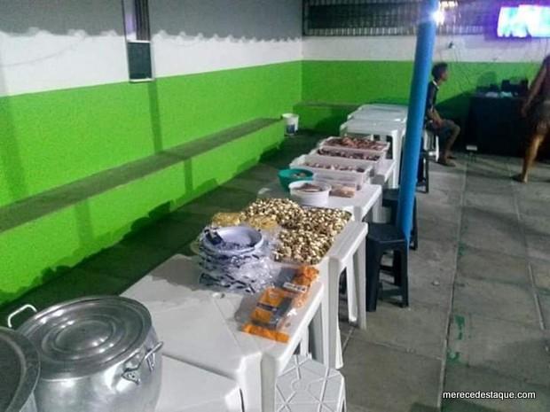 Presos realizam festa dentro de penitenciária e chefe de segurança é afastado em Caruaru