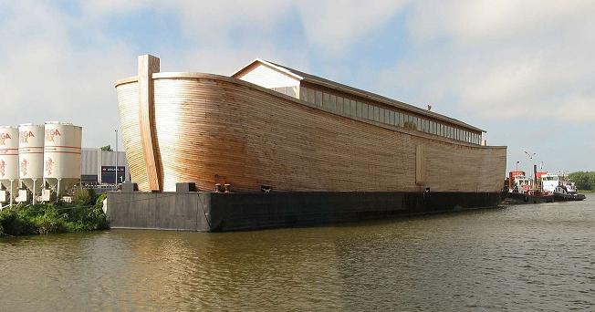 Ξυλουργός κατασκεύασε μια πραγματικών διαστάσεων Κιβωτό του Νώε