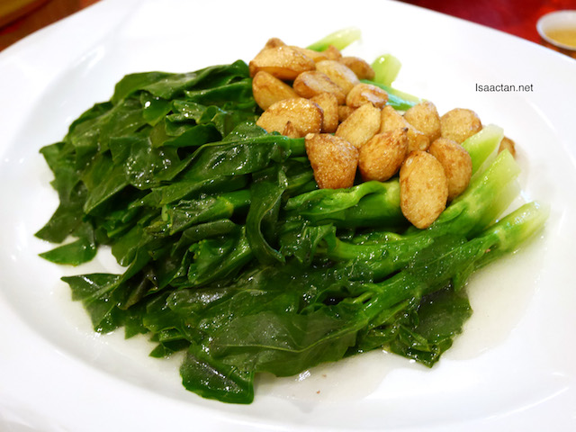 Stir Fried Hong Kong Seasonal Vegetable with Whole Garlic