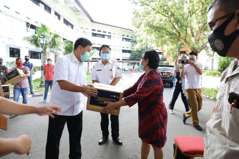 Bersama Kemenparekraf, Wagub Salurkan 2.500 Paket Balasa Kepada Pelaku Pariwisata dan Ekonomi Kreatif