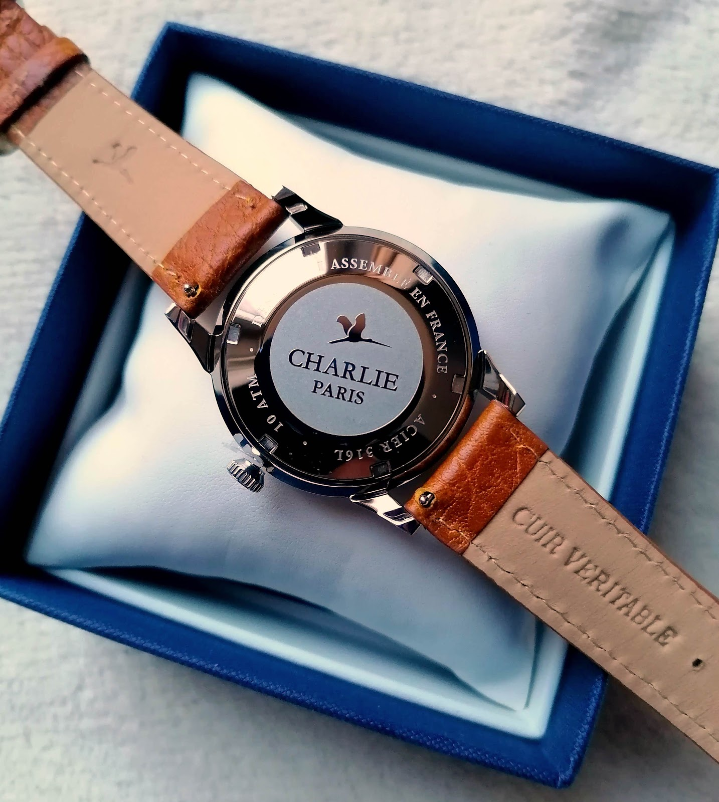Bastille de CHARLIE PARIS, la montre sombre, racée et intemporelle...