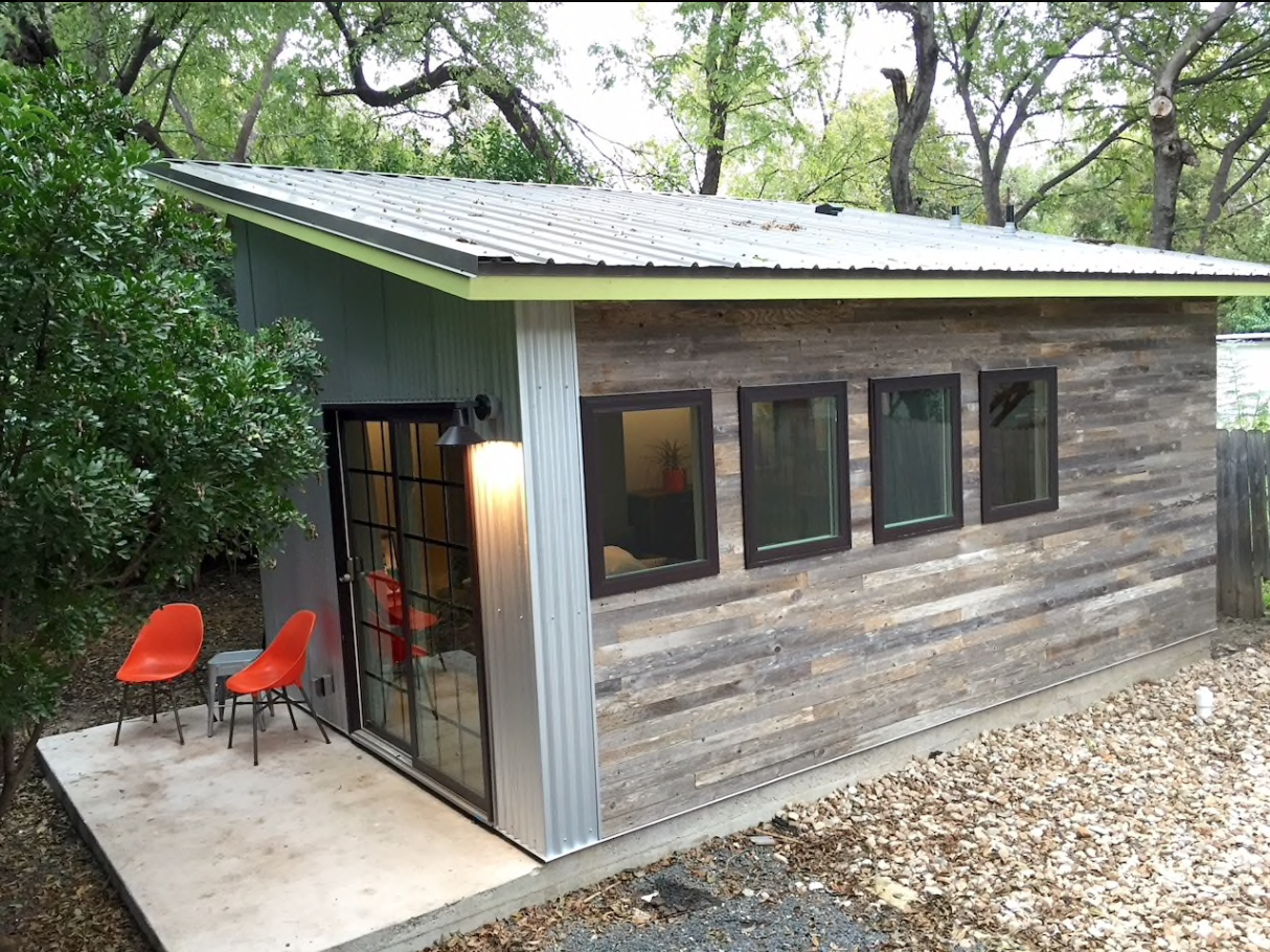 TINY HOUSE TOWN: East Austin Casita