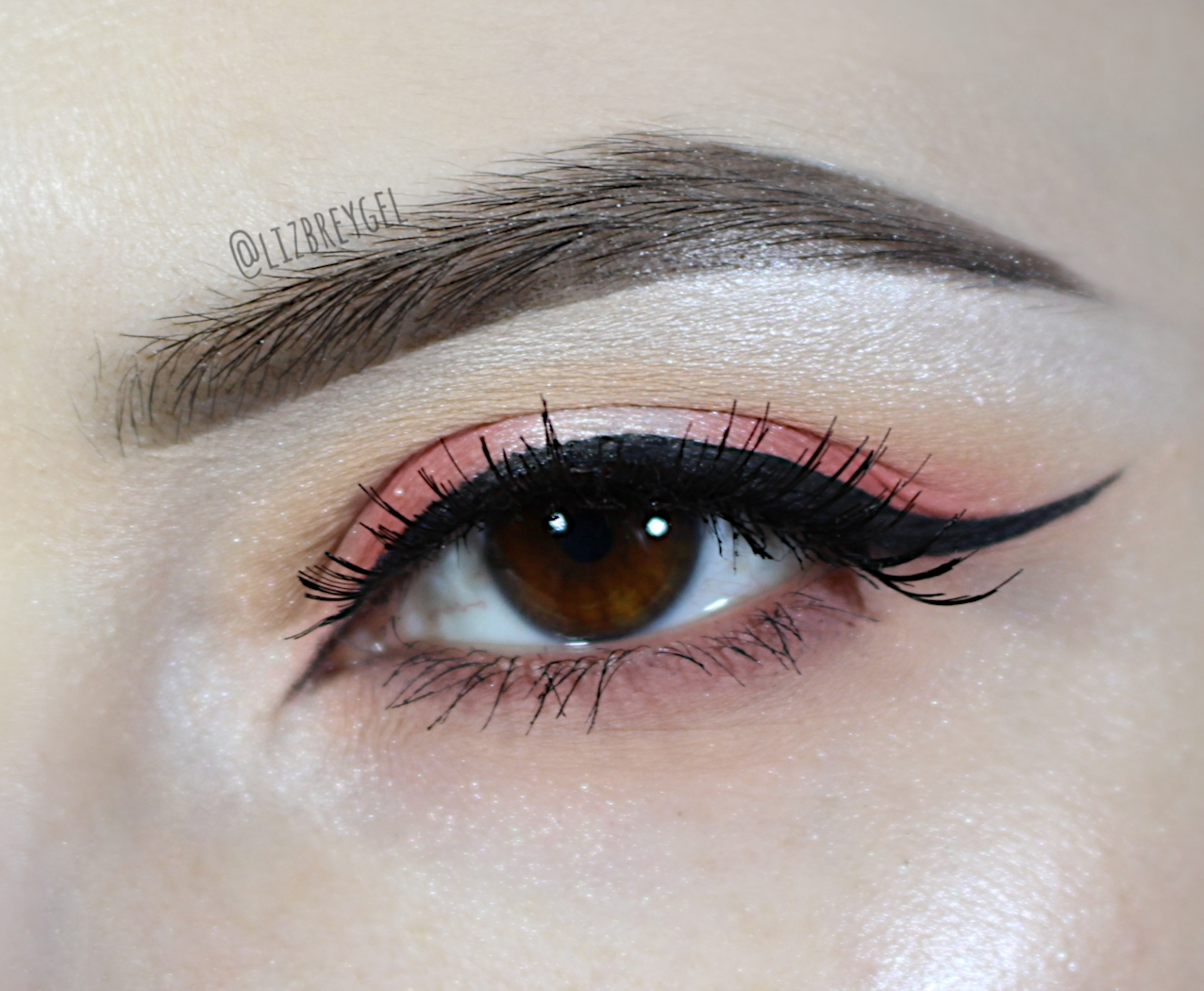 festive new year eye makeup look tangerine orange blushing living coral eye inspired by pantone 2018 color of a year