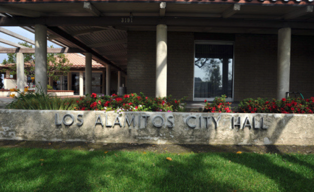 Los Alamitos might challenge California over state's sanctuary law