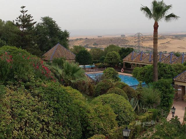 Parador de Carmona y su piscina