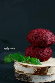 http://www.greencooking.pl/2015/11/burgery-z-buraka.html