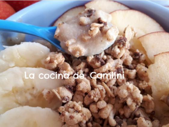 Smoothie bowl de manzana y plátano (La cocina de Camilni)