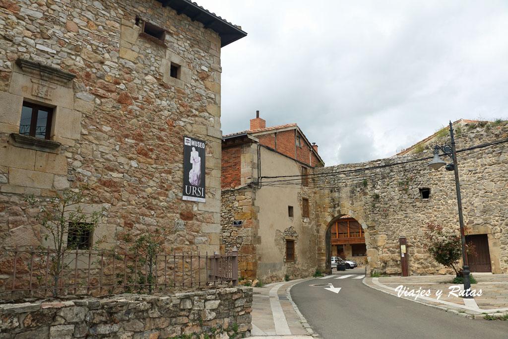 Puerta de la Tobalina, Aguilar de Campoo