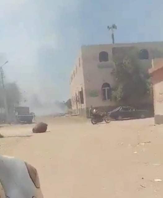 """دخان حرائق القمامة الملوث يغطى سماء قرية """"إدفا"""" بسوهاج"""