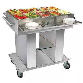 Salad trolley in gueridon service