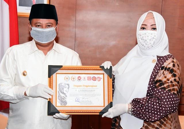 Mampu Tangani Covid-19 di Pesantren, Jabar Terima Penghargaan DPD RI