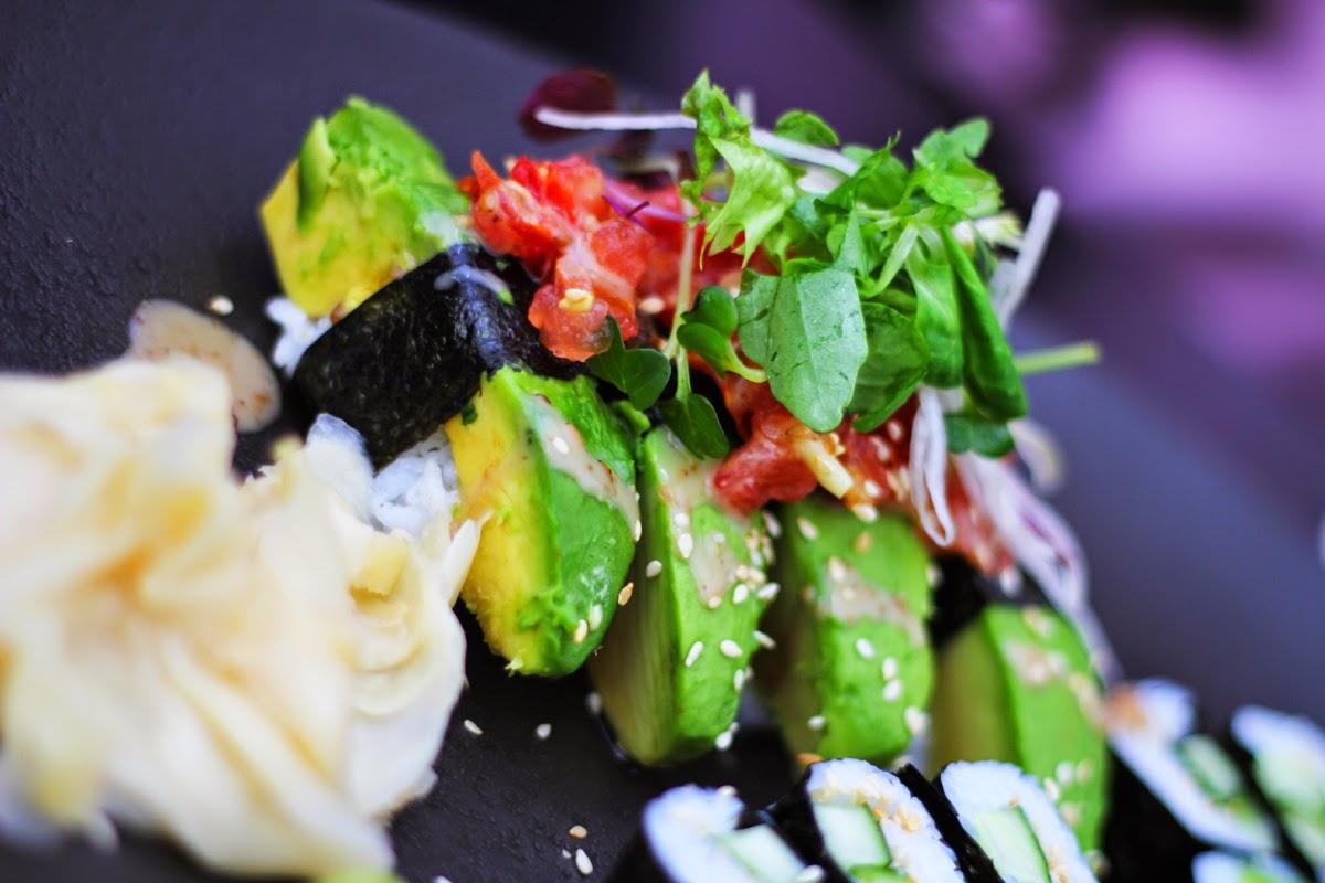 avocado nigiri dudu berlin torstrasse