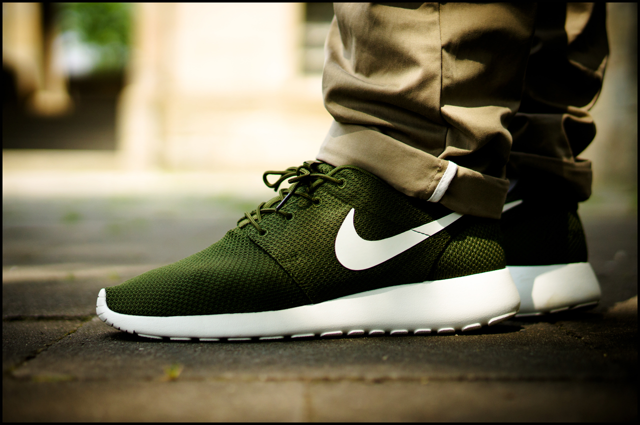 best service 0f186 44df6 ... air max  barren tee. norse aros heavy chino. nike roshe run iD. ...