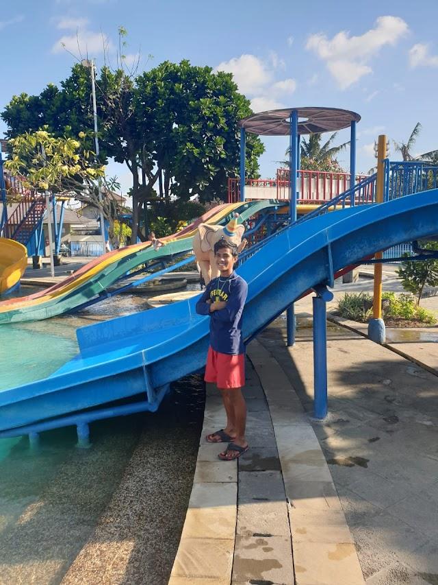 Circus Waterpark Bali bisa menampung kurang lebih 800 orang pengunjung perharinya.