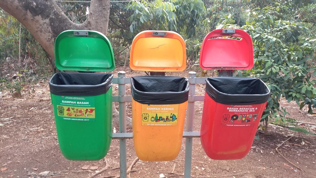 Tong Sampah 3 Warna dan Fungsinya