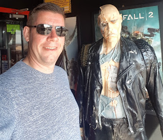 Me with a Cyberdyne Systems Model 101 Series 800 Terminator at Barry Island Quasar