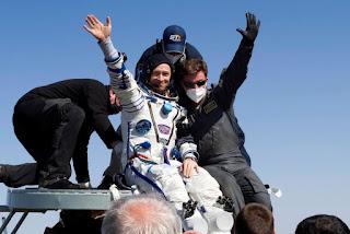 Astronautas voltam à Terra após quase sete meses em estação espacial