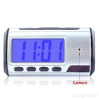 Jam Digital dengan Kamera Pengintai