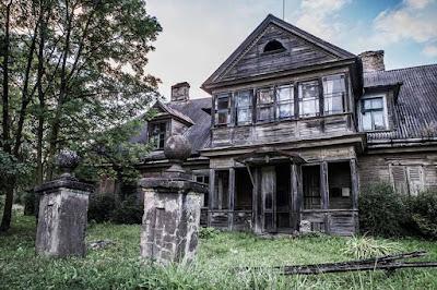 Permalink to Pemudik yg Langgar Aturan Karantina Mandiri di Desa Ini, Dipaksa Tinggal di Rumah Angker Berhantu!