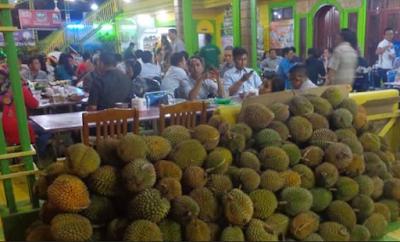 .Ucok Durian