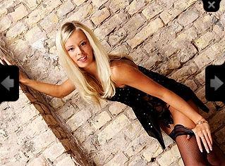 PinkLipsi Model Skype