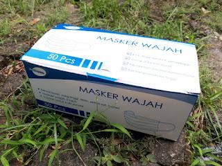 Masker Medis Mediocare 1 Kotak Isi 50 3 Ply