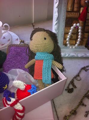 tienda suthings, artesania, cosas hechas a mano, jabon hecho a mano, juguetes ganchillo, tazas estilo british, tazas inglesas,