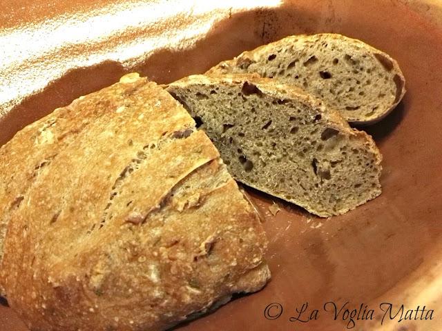 Pane al vino rosso e rosmarino