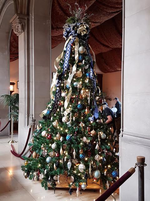 decorated christmas tree at biltmore