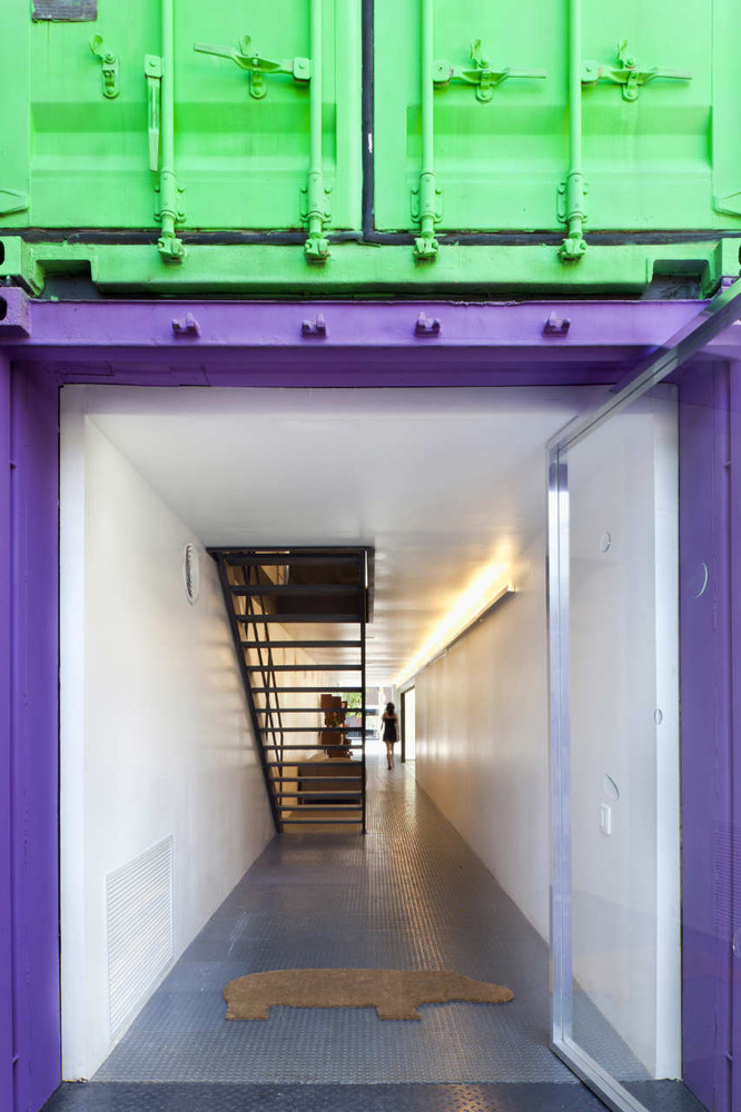 Decameron - Low Budget Colorful Shipping Container Store, Brazil 4