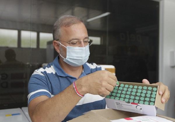 Pessoas que furarem a fila de vacinação serão processadas na Bahia