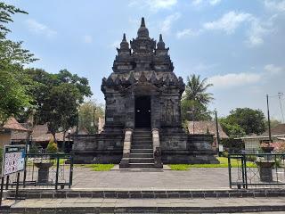 Candi Pawon, Bangunan Bersejarah yang Berada di Permukiman Rumah Penduduk