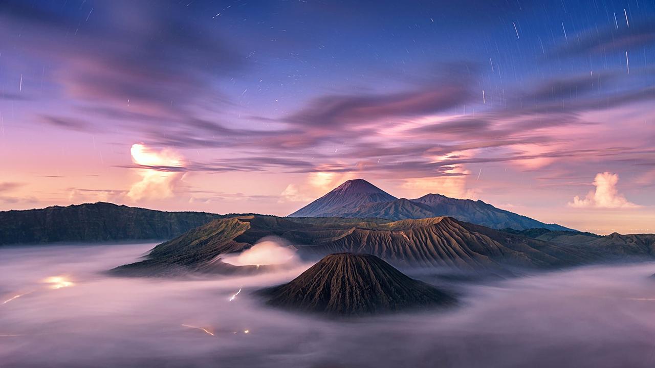 Foto LAndscape Gunung Bromo Berkabung Subuh haru indah